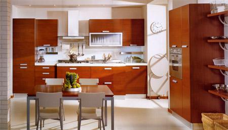 Cucina moderna, anta impiallacciata ciliegio con venatura orizzontale.